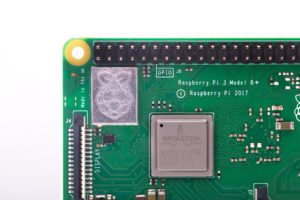 Raspberry Pi 3 B Shield 300x200 - Le Raspberry Pi 3 B+ est arrivé